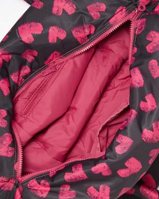 Pink Heart  Carryall Weekender見る