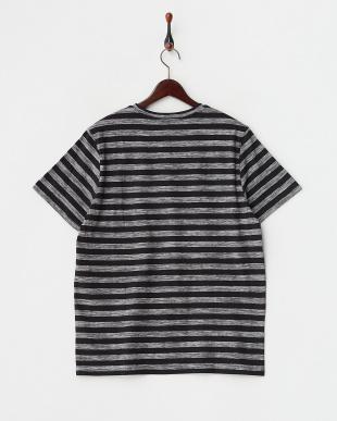 ブラック ボーダー柄Tシャツ見る
