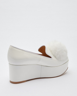 WHITE POM POM OPERA SHOES見る