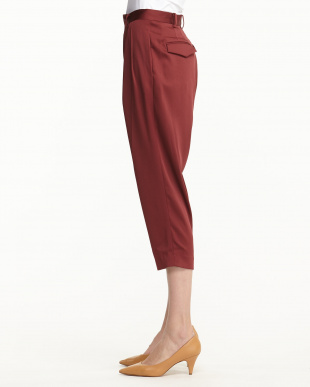 BURGUNDY SATIN ANKLE TAPAERED TROUSERS見る