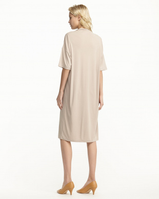 BEIGE JERSEY FUNNEL NECK DRESS見る