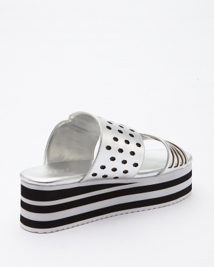 SILVER  PERFORATED LEATHER HIGH SOLE SANDALS見る