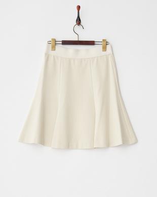 ベージュ セルティスポンチ スカート見る