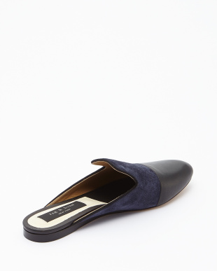 NAVY SUEDE SABINE LOAFER見る