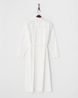 ホワイト 共ベルト付き ロングシャツワンピース見る
