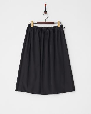 ブラック×ブラック  ギャザーフレアスカート見る