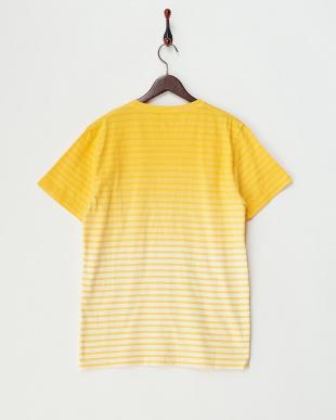 YELLOW ボーダーグラデーションVネックTシャツ見る