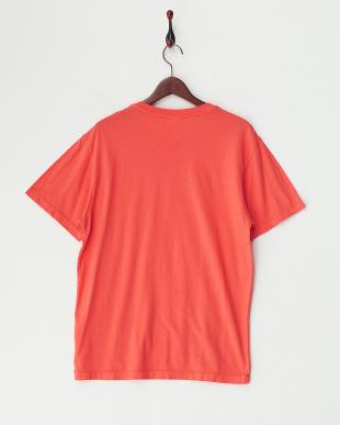 オレンジ クルーネックポケット付きTシャツ見る