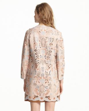 ピンク パンチング刺繍コート見る
