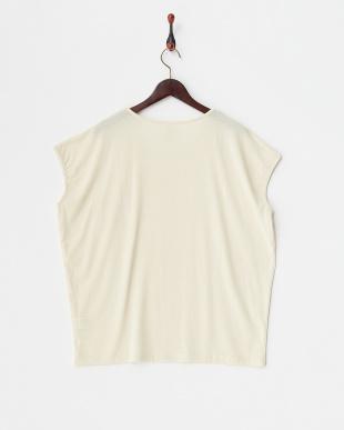 クリーム ポケット付きフレンチスリーブTシャツ見る