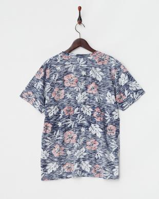 ネイビー  花柄ポケットTシャツ見る