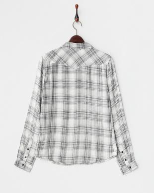 白×黒 チェック  ポケット付きシャツ見る