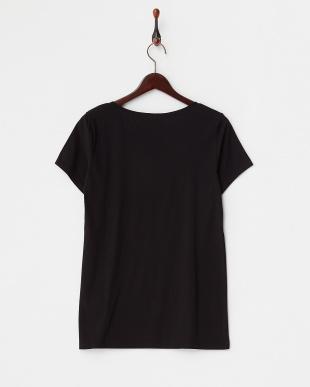 ブラック  シルクネック Tシャツ見る