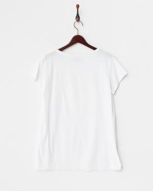 ホワイト  Tシャツ 見る