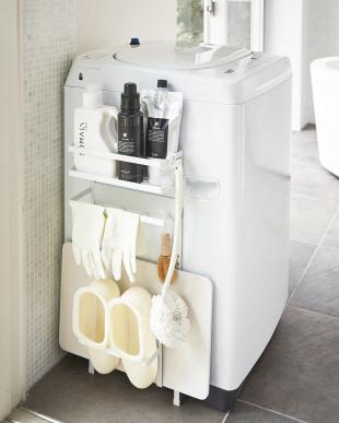 ホワイト  洗濯機横マグネット収納ラック タワー見る
