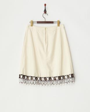 ホワイト ビジュー裾スカート見る