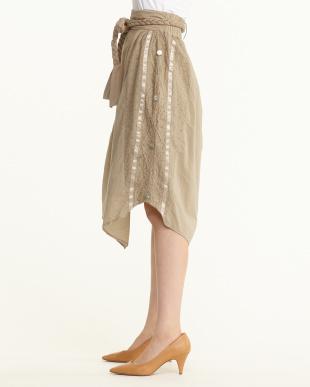ベージュ  サイド釦ギャザー三つ編みベルト付スカート見る