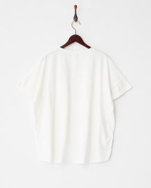 OFF WHITE ロールアップBIG Tシャツ見る