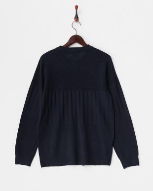 ネイビー  織り柄切り替えポケット付きクルーネックセーター見る