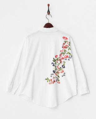 ホワイト バックフラワープリントシャツ見る