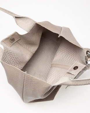 ピンク  フラットポーチ付き柄型押しハンドバッグ見る