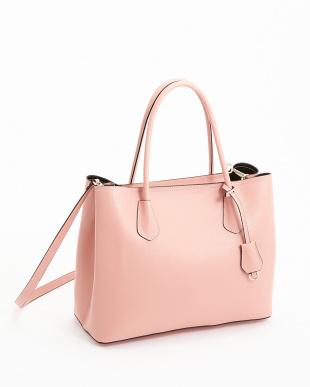 ピンク  チャーム付き2WAYバッグ見る