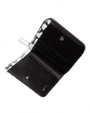 シルバー HW06B-01 メタリックハート柄二つ折り財布見る