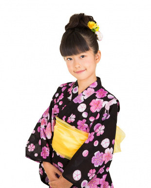 ブラック系 桜×蝶々 キッズ 浴衣+兵児帯見る