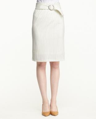 ホワイト系  ポンチタイトスカート見る