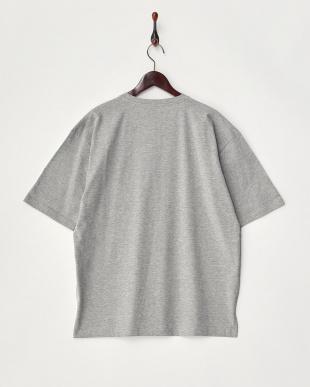 グレー  ルーズTシャツ見る