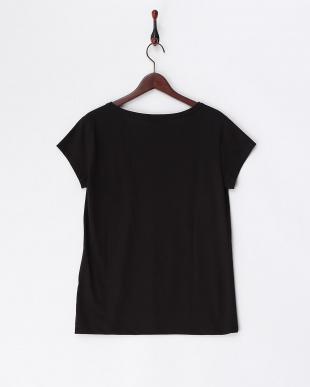 ブラック  Tシャツ 見る