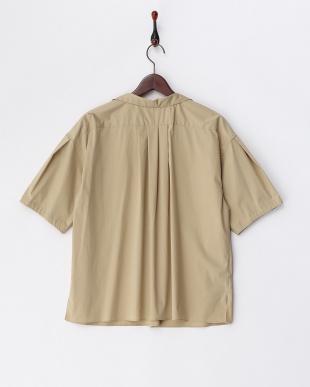 ベージュ  袖タック スキッパーシャツ見る