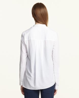 white AXIO CREPE ポケットシャツ見る