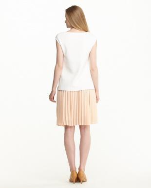 ホワイト×ピンク  トップス&プリーツスカートセット見る