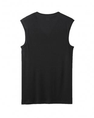 ブラック Vネックスリーブレスシャツ見る