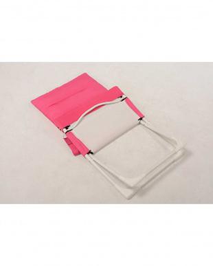 ピンク  布張り折りたたみチェア 65.5×84×92.5cm見る