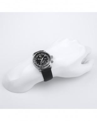 ブラック 100周年記念モデル クォーツ腕時計見る