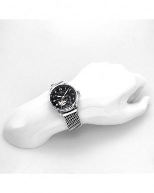 ブラック オープンハート 自動巻き ステンレスメッシュ腕時計見る