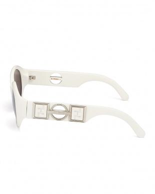 ホワイト デザインテンプルビッグフレームサングラス見る