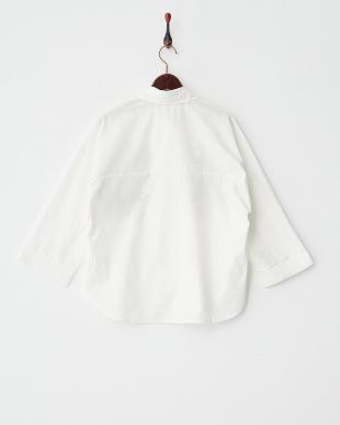 ホワイト  刺繍シャツ見る