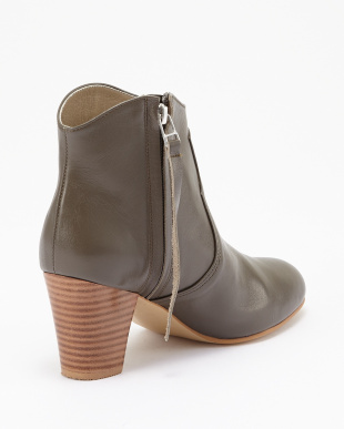 GREY  ANKLE BOOTS見る