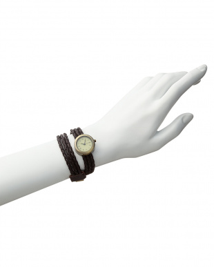 Dブラウン  腕時計1・編み込み3連ベルト見る