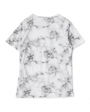 ホワイト アブストラクト柄Tシャツ見る