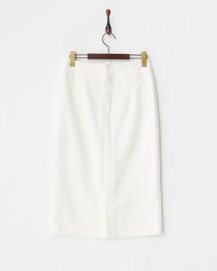 オフホワイト フロントボタンスカート見る