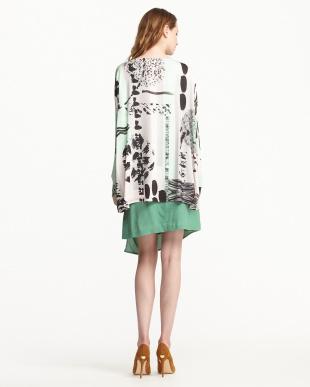 グリーン/パウダーピンク系 ラップスカート+コンビ柄フロントオープンブラウス見る