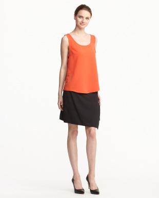 オレンジレッド/ブラック ノースリーブブラウス+ラップスカート+Tシャツ見る