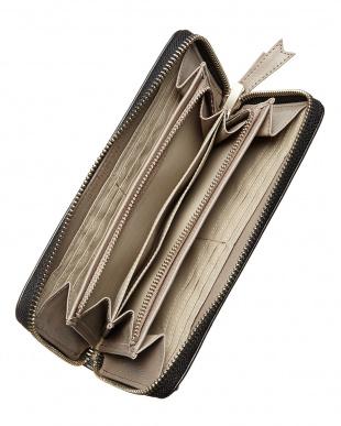 ブラック  ビジューハートラウンドジップ財布見る