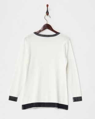 WHITE AREA Sweater見る