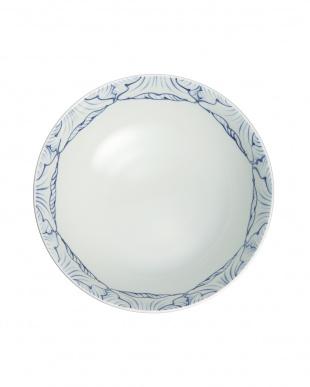 染付花弁紋 平麺鉢見る