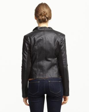 ブラック 袖下リブ切り替えラムレザージップジャケット見る